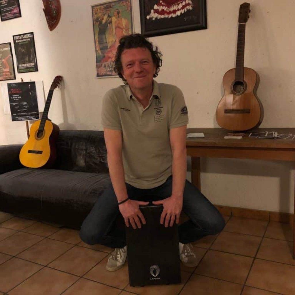 musicien-cajon-bordeaux-cours-percussion